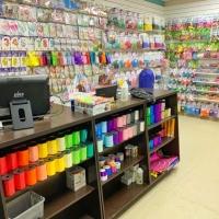 Большое поступление воздушных шаров и товаров для праздника по оптово-розничным ценам.